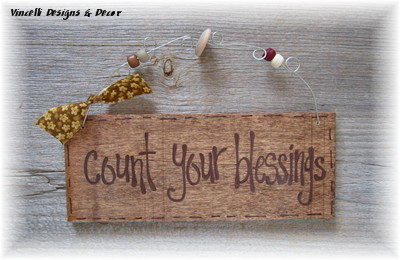 Handpainted Wood Plaque - Count Your Blessings (Brown)