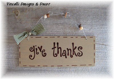 Handpainted Wood Plaque - Give Thanks (Tan)